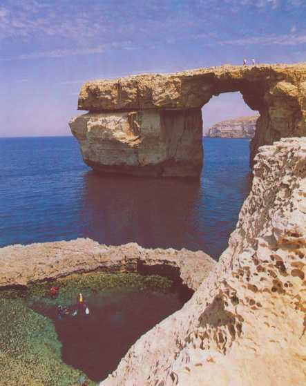 Gozo Window.jpg (25763 Byte)
